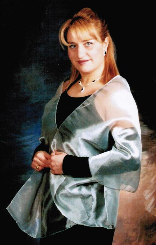 Maria de los Angeles, soprano.