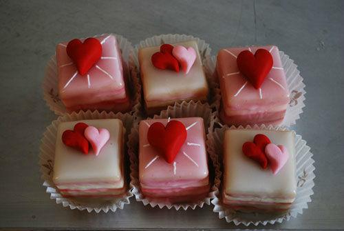 Beispiel: Petit Four, Foto: Backwerkstatt Die Zuckerbäckerin.
