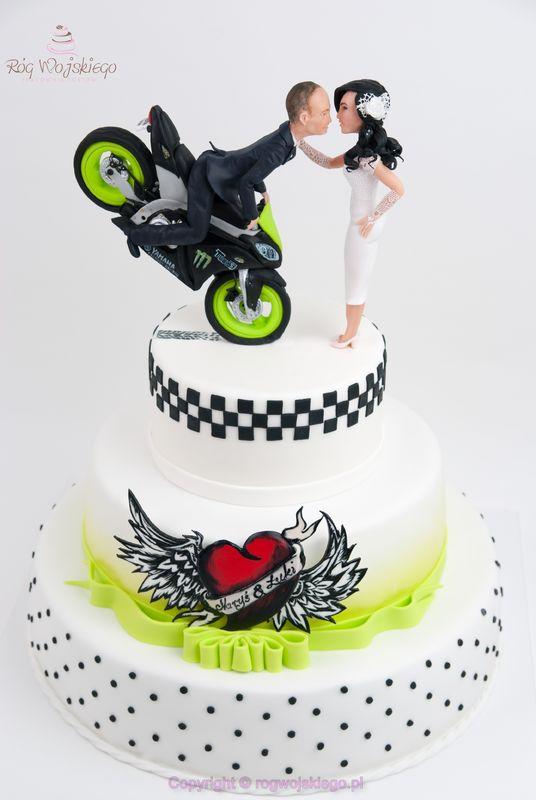 tort weselny z motocyklem
