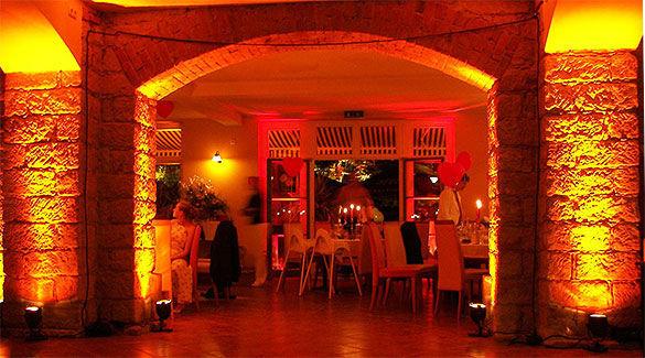 Beispiel: Restaurant, Foto: Gare de la lune.