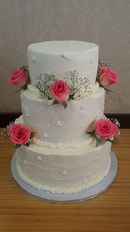 Tarta americana con flores naturales