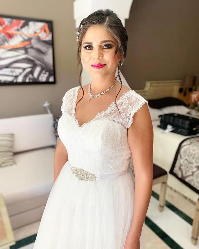 BETZY STYLE Makeup & Hairstyle