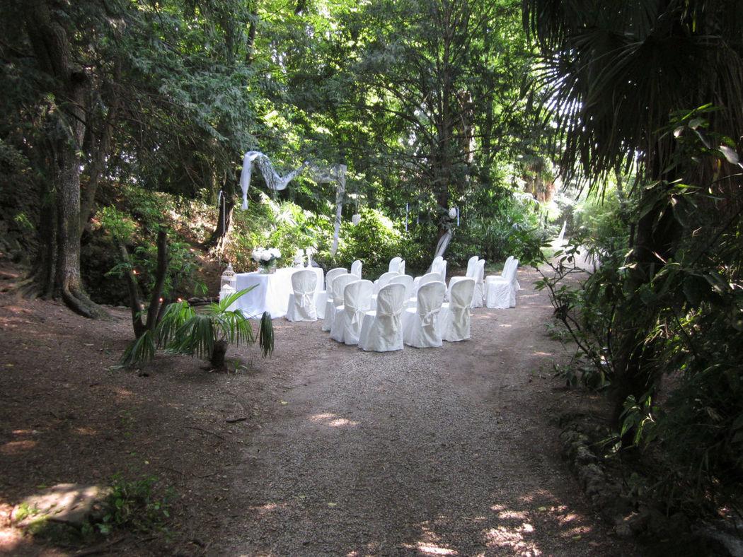 Il matrimonio civile davanti alla grotta