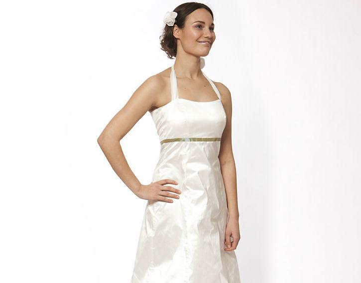 Beispiel: Individuelle Kleider für die modische Braut, Foto: JAAP Onlineshop.