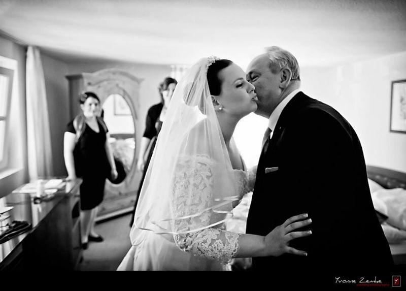 Beispiel: Emotionale Momentaufnahmen, Foto: Yvonne Zemke wedding photography.