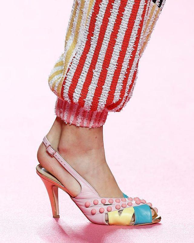 Teléfono Shoes Teléfono Shoes Y Y Irreverente Irreverente OpinionesFotos OpinionesFotos CerBxWdo