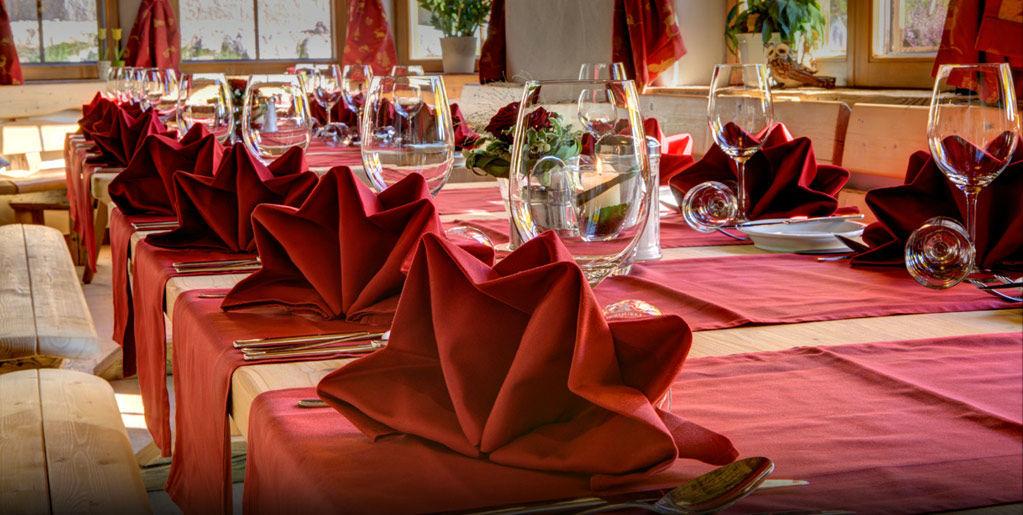 Beispiel: Tischdekoration, Foto: Brenneralm.