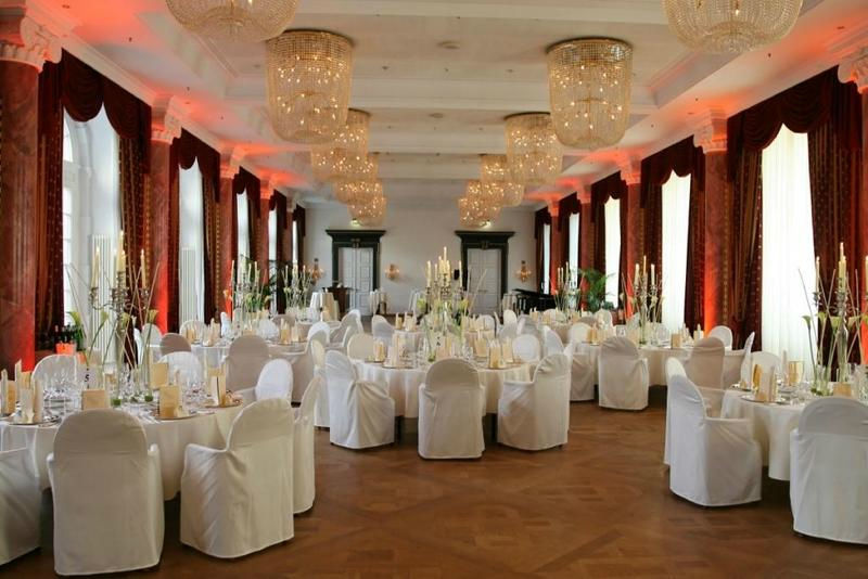 Beispiel: Bankettsaal, Foto: Lucia Sposa.
