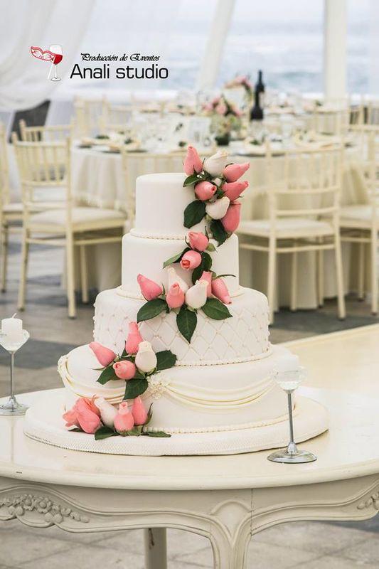 Anali Montalvan Wedding & Event Planner