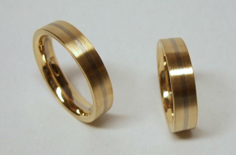 Beispiel: Eheringe Gold mit Silber, Foto: Das kleine Kra.