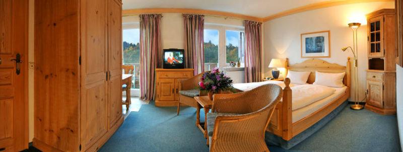 Beispiel: Hotelzimmer, Foto: Mondi-Holiday Hotel Oberstaufen.