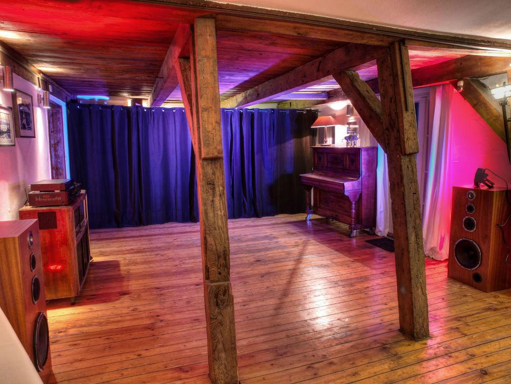 Beispiel: Salon - Tanzfläche, Foto: Eventlocation Waterfront.