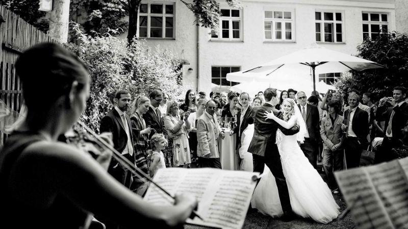 Beispiel: Hochzeitstanz, Foto: Katja Schünemann Wedding Photographie.