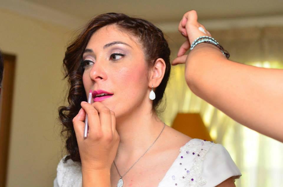 Preparando a nuestra feliz novia. Maquillaje y Peinado por nosotras, Marion y Mane de So Beautiful Makeup