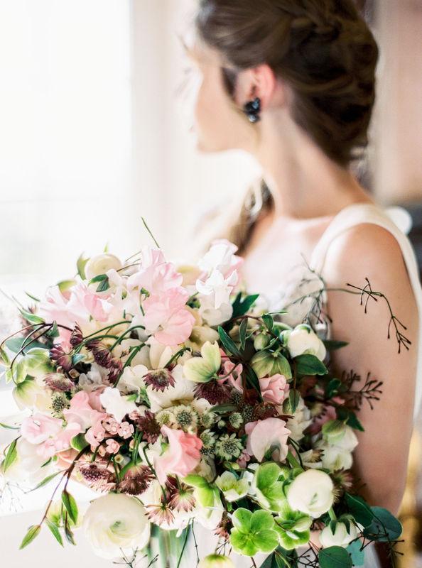 Oura Flores