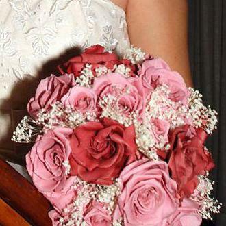 Flor de Cór  - buquê de mosquitinhos, gardênias e rosas naturais preservadas