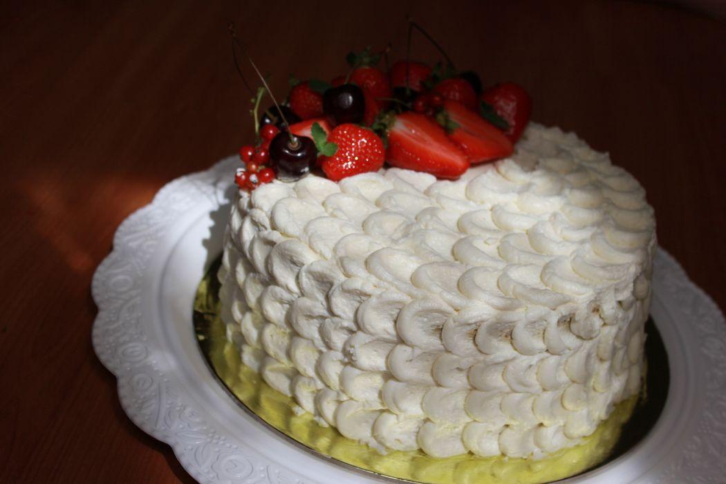 Вариант кремового оформления торта