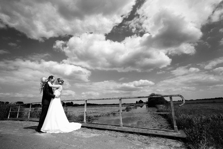 Beispiel: Hochzeitsfotos in Schwarz-Weiß, Foto: Doerte Eilers Fotografie.