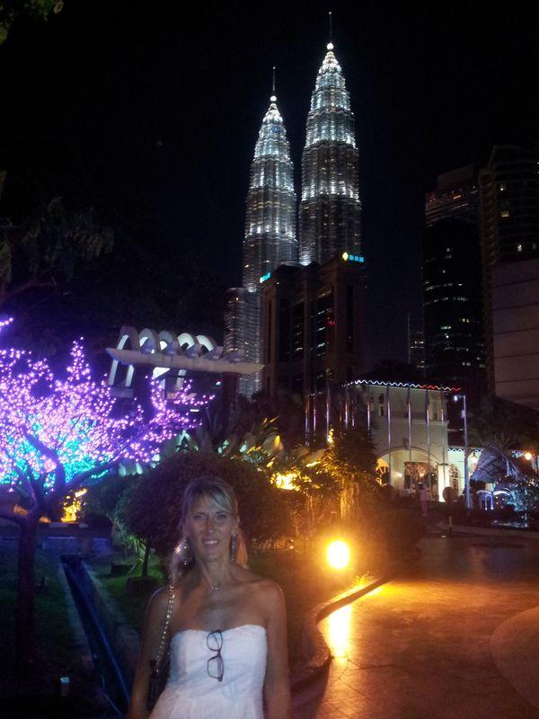 Malesia -  KUALA LUMPUR - Petronas