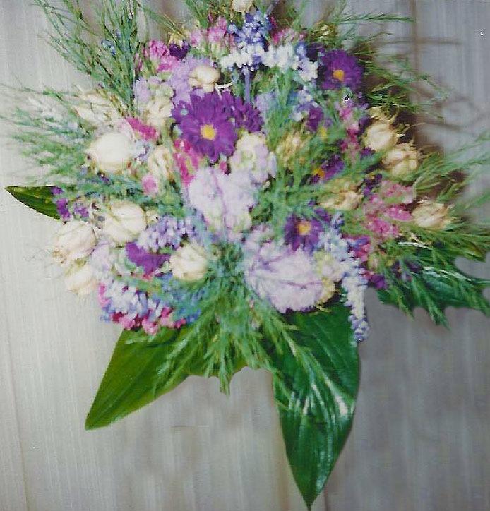 Ramo de novia con flores con flores silvestres