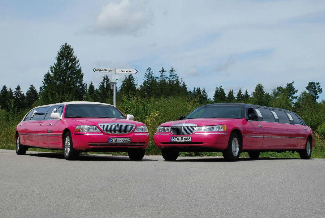 Beispiel: Pinke Lincoln Town Cars, Foto: MK - Limousinen München.