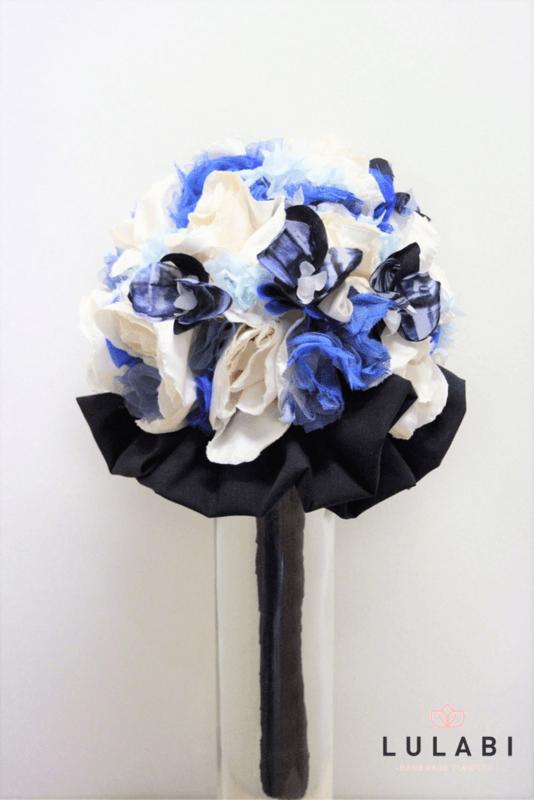 Ramo de novia en azul marino y blanco