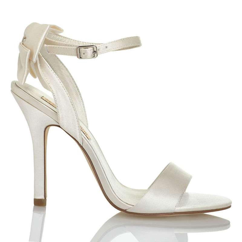 Menbur Modelo Belli 5881 www.menbur.com/es/es/zapatos/novia