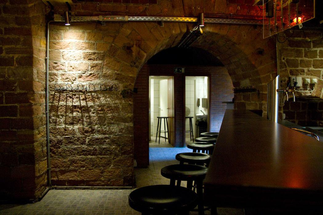Beispiel: Blick von der Theke zum Eingangsbereich, Foto: Brueckenkopf.