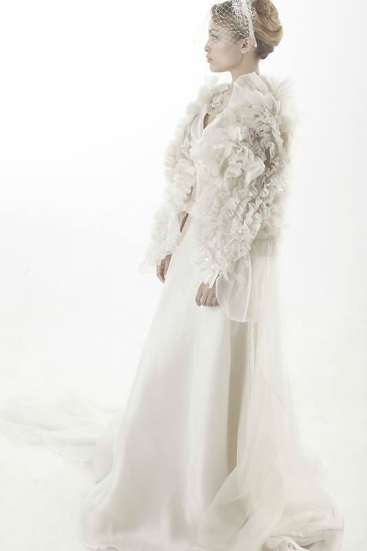 Beaumenay Joannet Paris - accessoire robe mariage couture  Cape fleurs