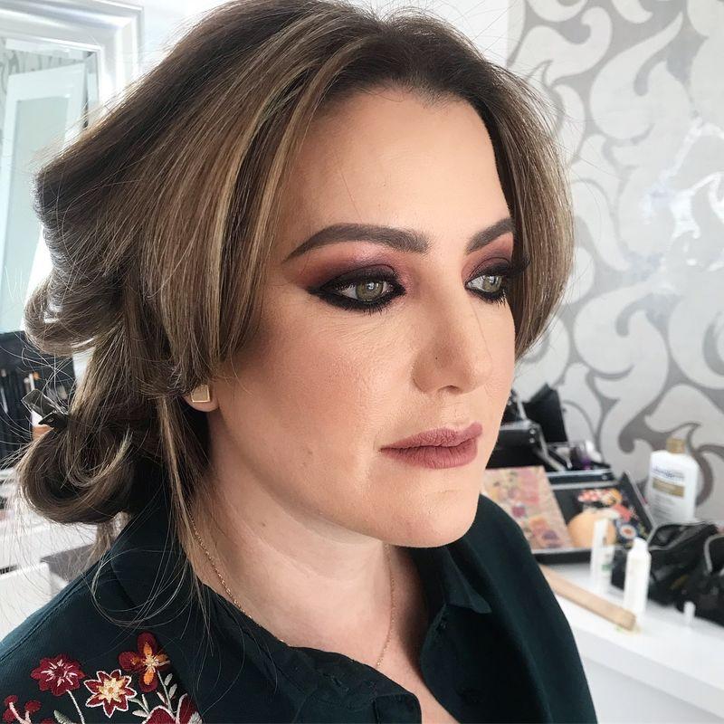 Ana Aizcorbe Makeup