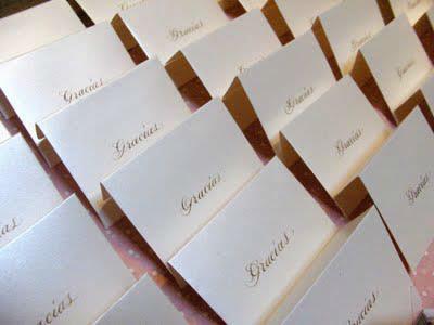 Rotulación a mano de agradecimientos  Caligrafía para tu boda www.caligrafiaparatuboda.com ventas@caligrafiaparatuboda.com