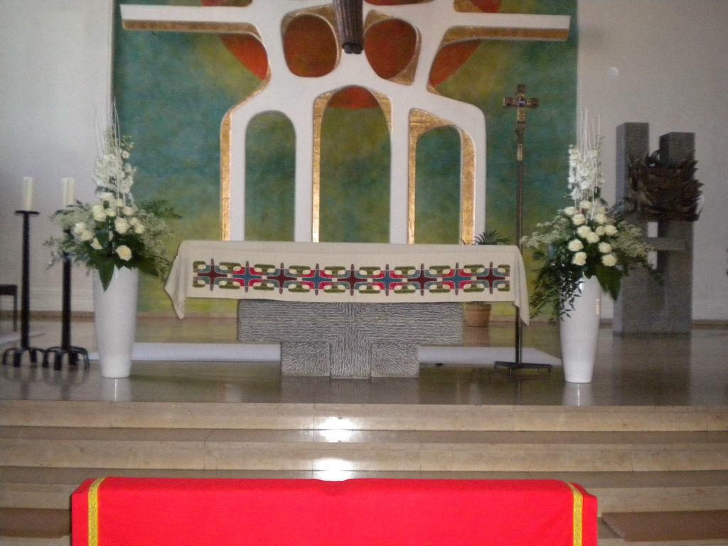 Beispiel: Altarschmuck, Foto: Wilheine Blumenbindekunst.