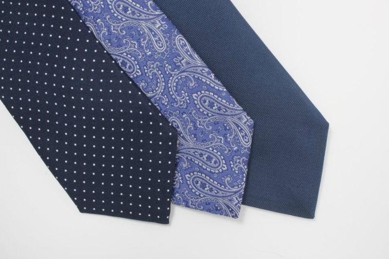 Beispiel: Krawatten in unterschiedlichen Farben, Foto: Amerano.