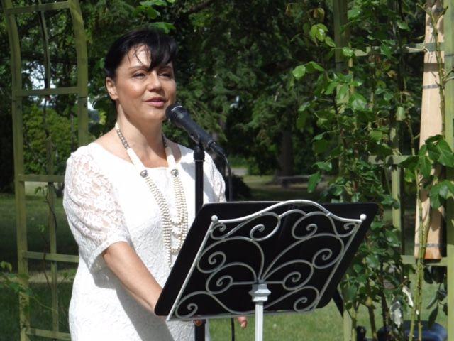 Elisabeth Casasus - Officiante Cérémonie Laïque - Hamadryades