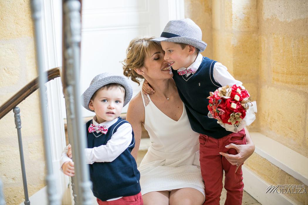 Reportage mariage complicité emotion mariée avec ses enfants - Modaliza Photographe