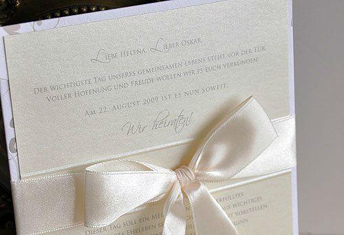 Beispiel: Elegante Hochzeitseinladungen, Foto: BBFT-Atelier Manufaktur.