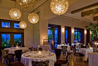 Restaurante Carolina. Unico 5 Diamantes en el Pacifico Mexicano. Posible de tener eventos privados de hasta 110 personas.