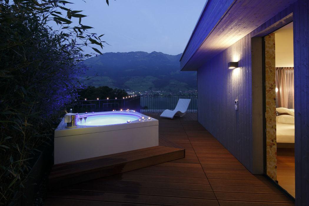 Beispiel: Wellnesszimmer mit eigener Terrasse, Foto: Seehotel Wilerbad.