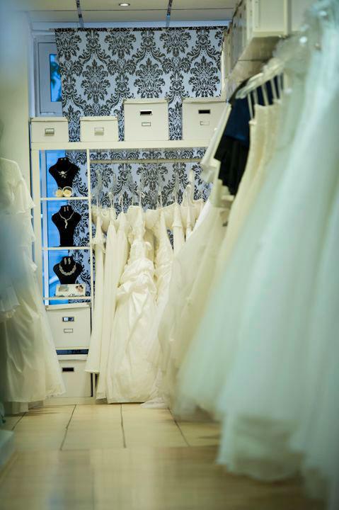 Beispiel: Eindrücke aus dem Ladengschäft, Foto: La Diva Brautmoden.