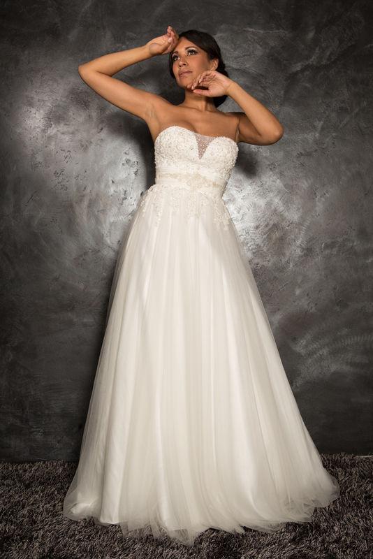 White Dress Modèle Iphéon  www.whitedress.lu