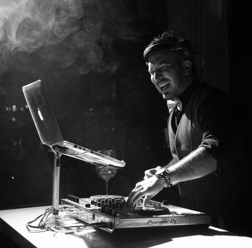 Juan Crismatt DJ