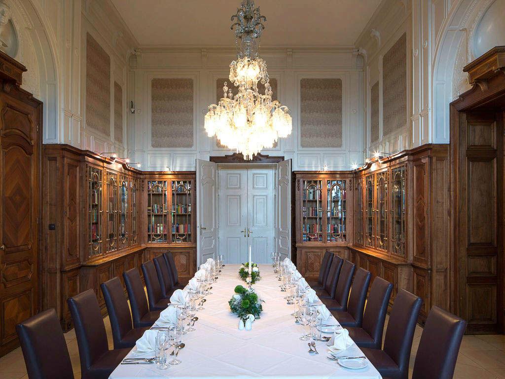 Beispiel: Hochzeitstafel, Foto: Austria Trend Hotel Schloss Wilhelminenberg.