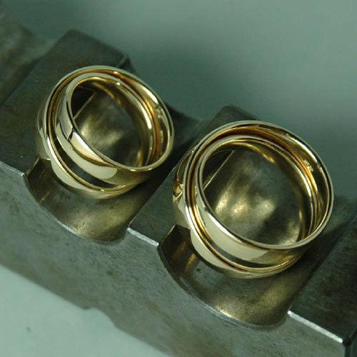 Beispiel: Goldene Trauringe, Foto: Lachmann's Goldschmiede.
