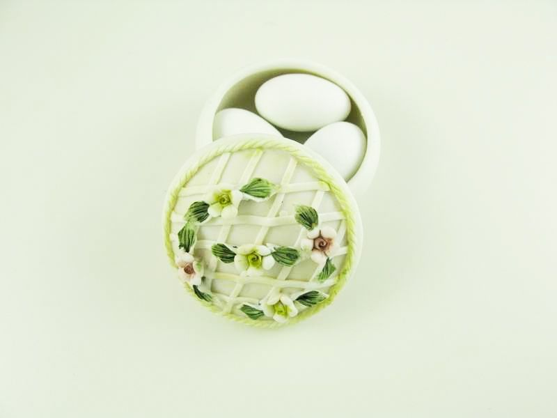 Beispiel: Porzellan Dose, Foto: Giorti.