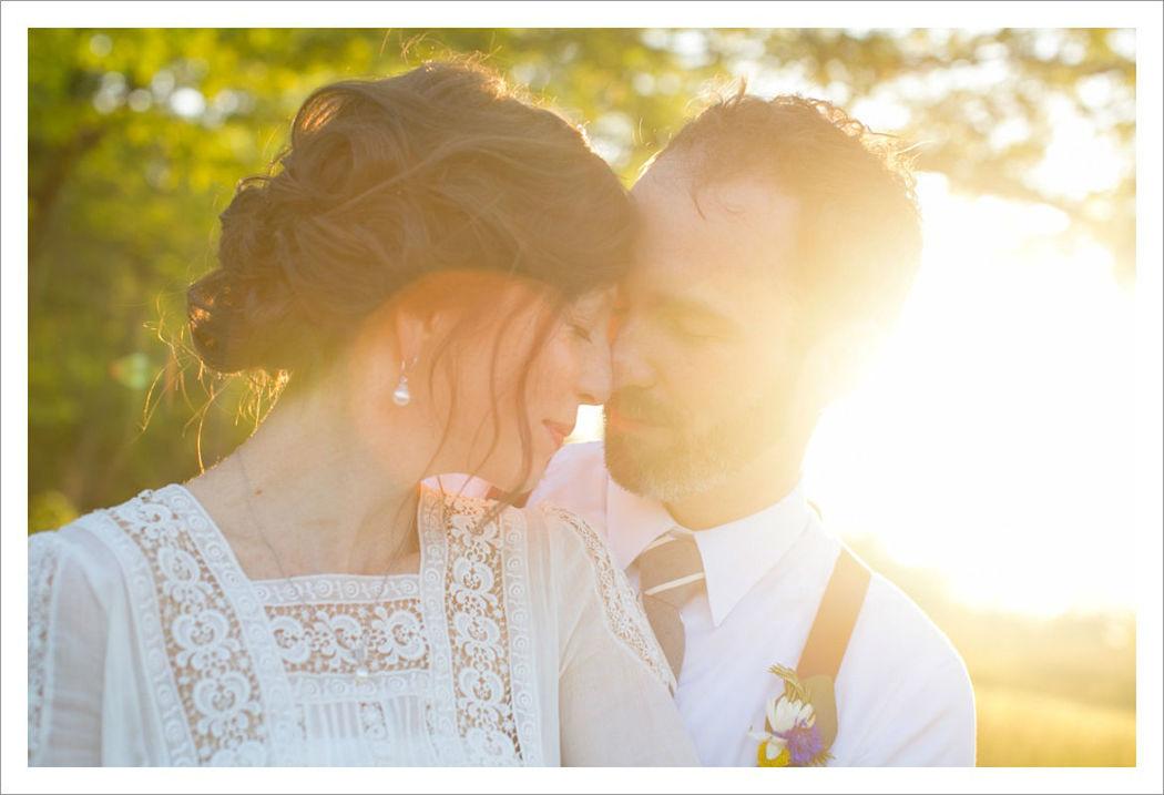 Beispiel: Professionelle Hochzeitsfotosgrafie, Foto: Michaela Nichole Photography.