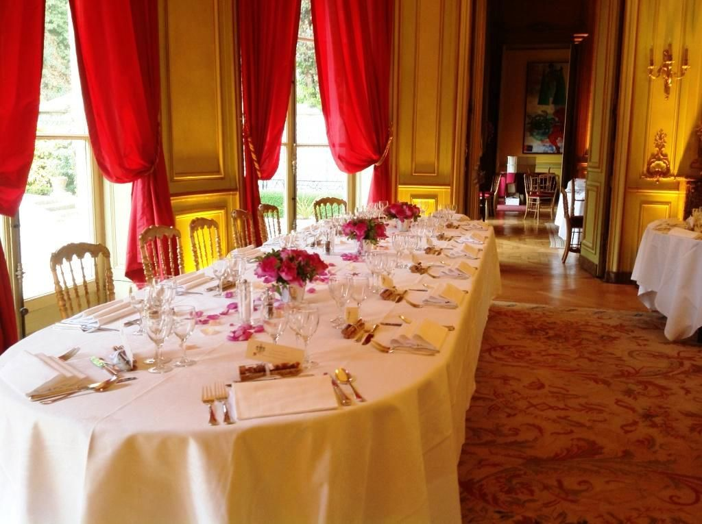 Table d'honneur dans le salon Ambassadeurs