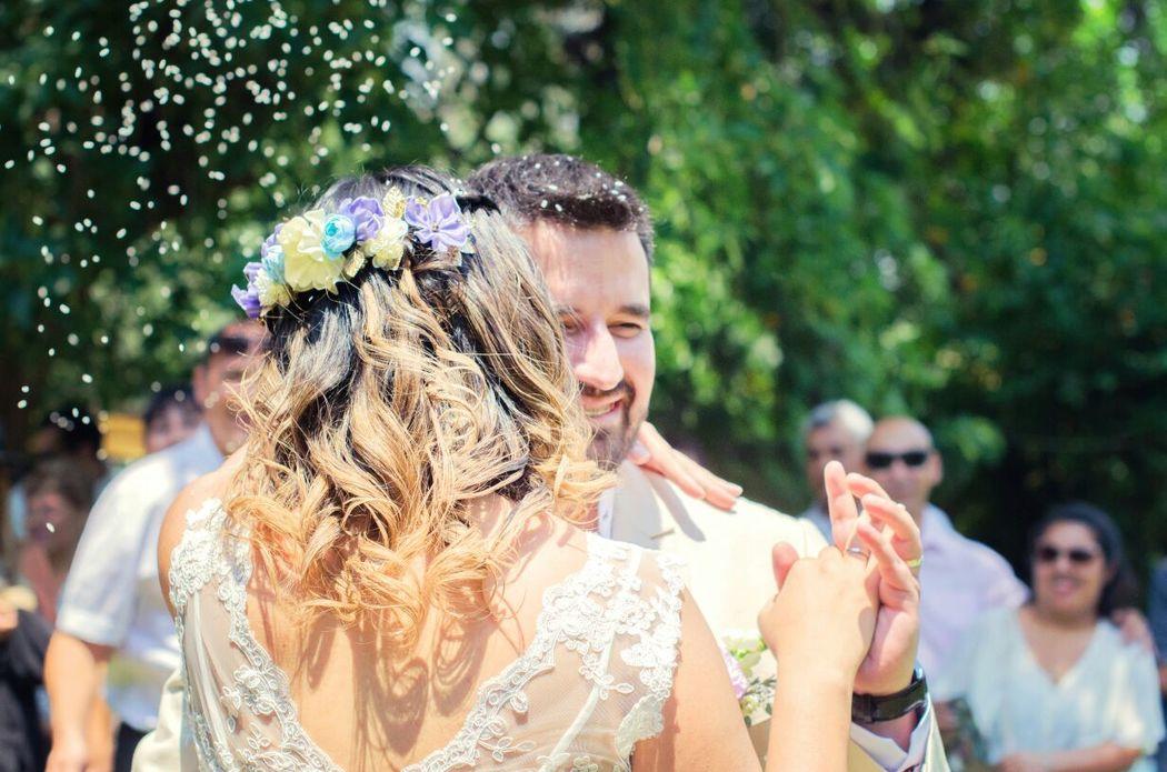 Fernanda con su hermoso tocado de flores Locas por las Novias