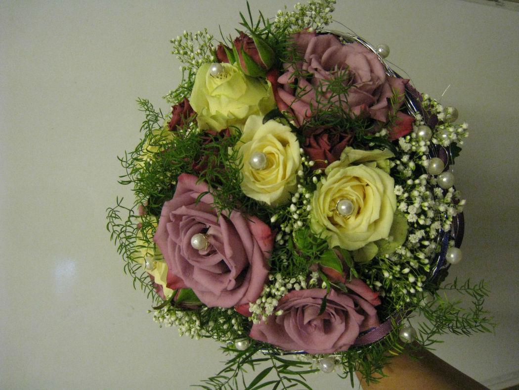 Beispiel: Traumhafte Brautsträuße, Foto: Blumenstüberl Helmut Frick.