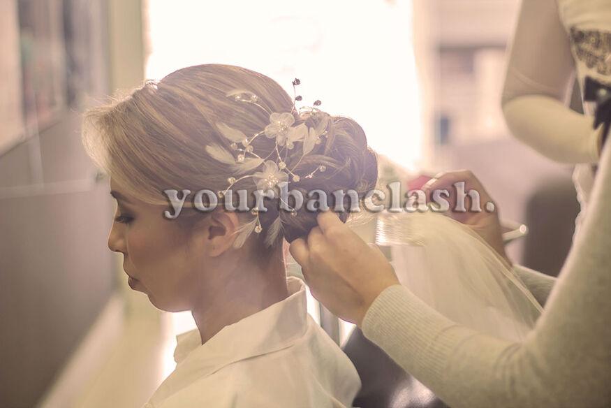 Maquillaje y peinado de la novia.  Foto: Yourbanclash Photography  Localización: Querétaro
