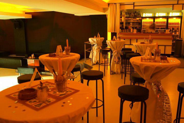Beispiel: Stehempfang, Foto: A-Lounge Berlin.